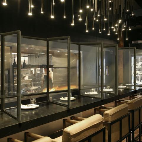Plexiglass Divider for Restaurants and Bars